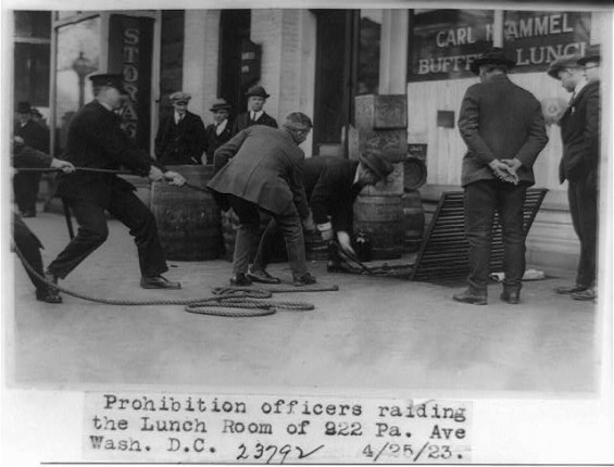 a short history of prohibition in america The prohibition era was a period in american history when the manufacture prohibition era fact 10: prohibition was instituted with ratification of the 18th.