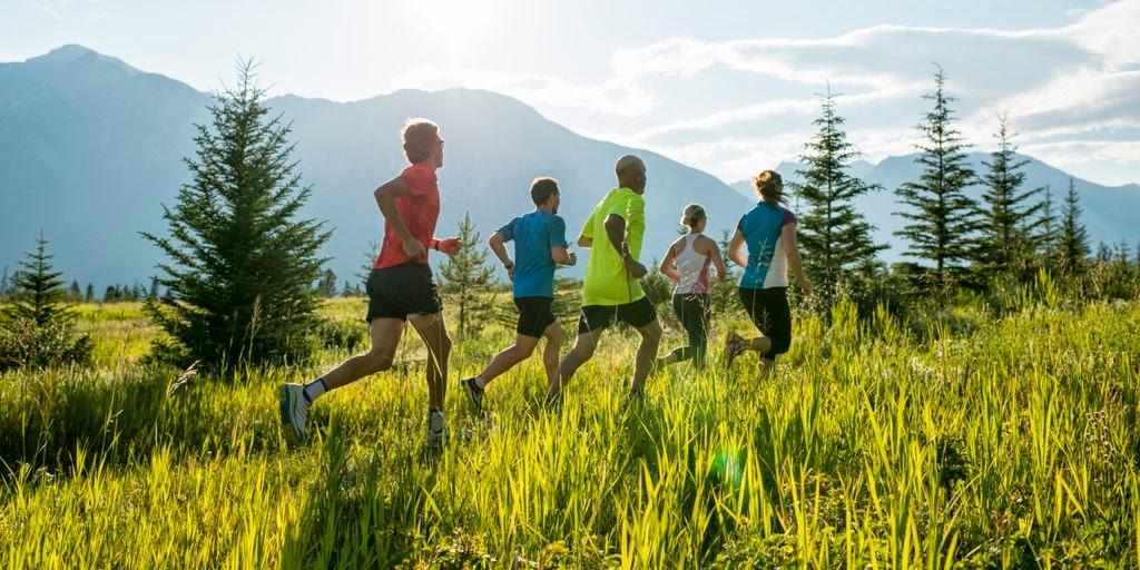 8 tipuri utile de alergare pentru alergători începători sau avansaţi. Trail Run