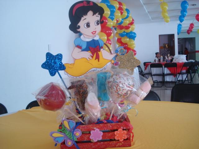 MuyAmeno.com: Centros de Mesa y Piñatas de Princesas Bebes