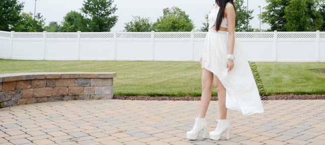 High-low dresses are perfect for the summer, with a flowy, graceful hem that adds a romantic look to any outfit.