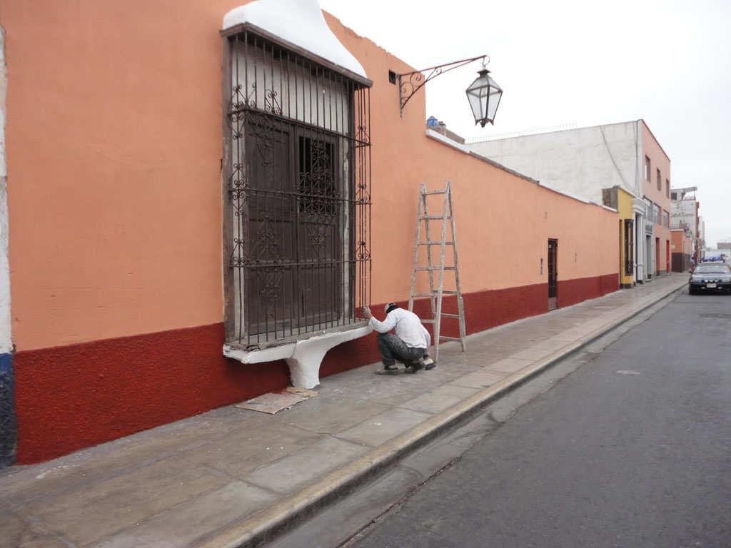 Movida social trujillana pintado de fachadas y embanderamiento general obligatorio por fiestas - Pintado de fachadas ...