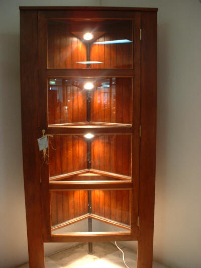 Corner cupboard designs pictures furniture design for Built in drinks cabinet