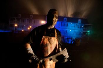 Legendary Haunt Tour Salem 2014 - Nightmare New England Brigham Manor