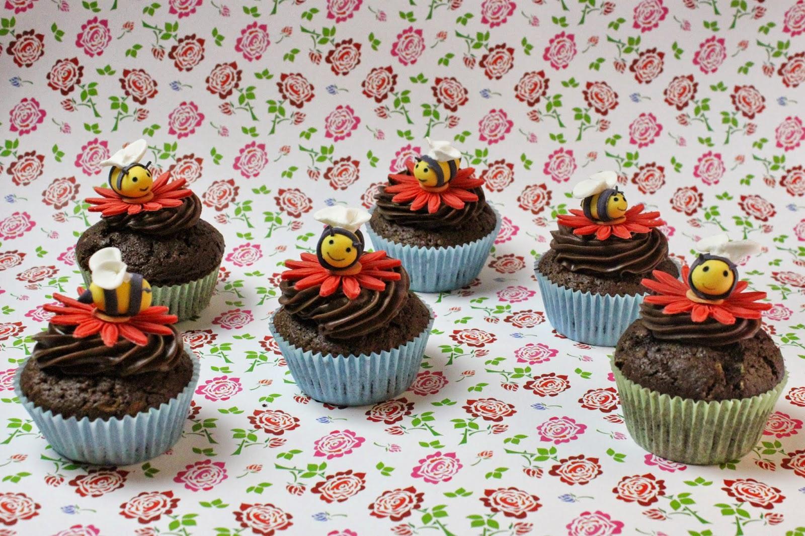 bienen cupcake topping ideen f r kindergeburtstag rezepte jamblog. Black Bedroom Furniture Sets. Home Design Ideas