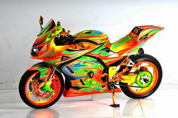 Modifikasi Motor Kawasaki ninja full color