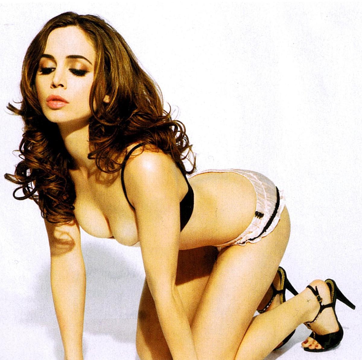 http://1.bp.blogspot.com/-jjCx80s8g8Y/TnwrsJMOZ-I/AAAAAAAACCQ/hY-pehnVEMc/s1600/Eliza+Dushku3.jpg