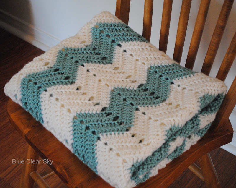 Crochet Afghan Patterns Chevron : Rustic Maple: Chevron Crocheted Afghan