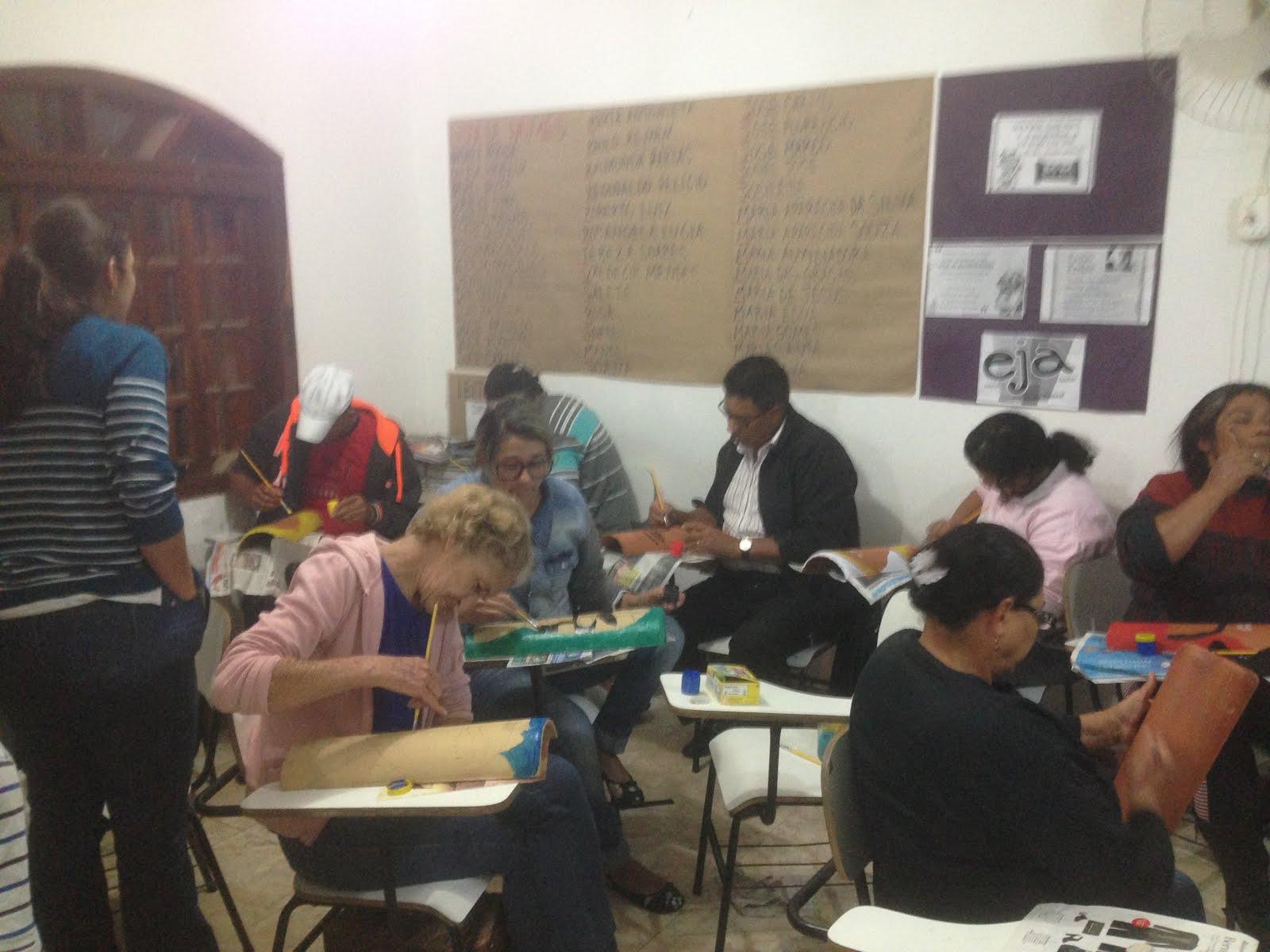 A criatividade está em alta! Máscaras Africanas, grupo EJA.