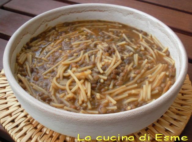 con questo freddo una bella minestra calda diffonde calore in tutto il corpo e ha il gusto almeno per me del cibo preparato dalla mamma