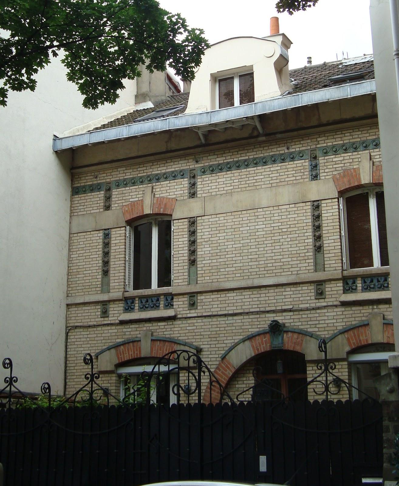 Paseos art nouveau maison dupont 272 boulevard jean for Art deco maison