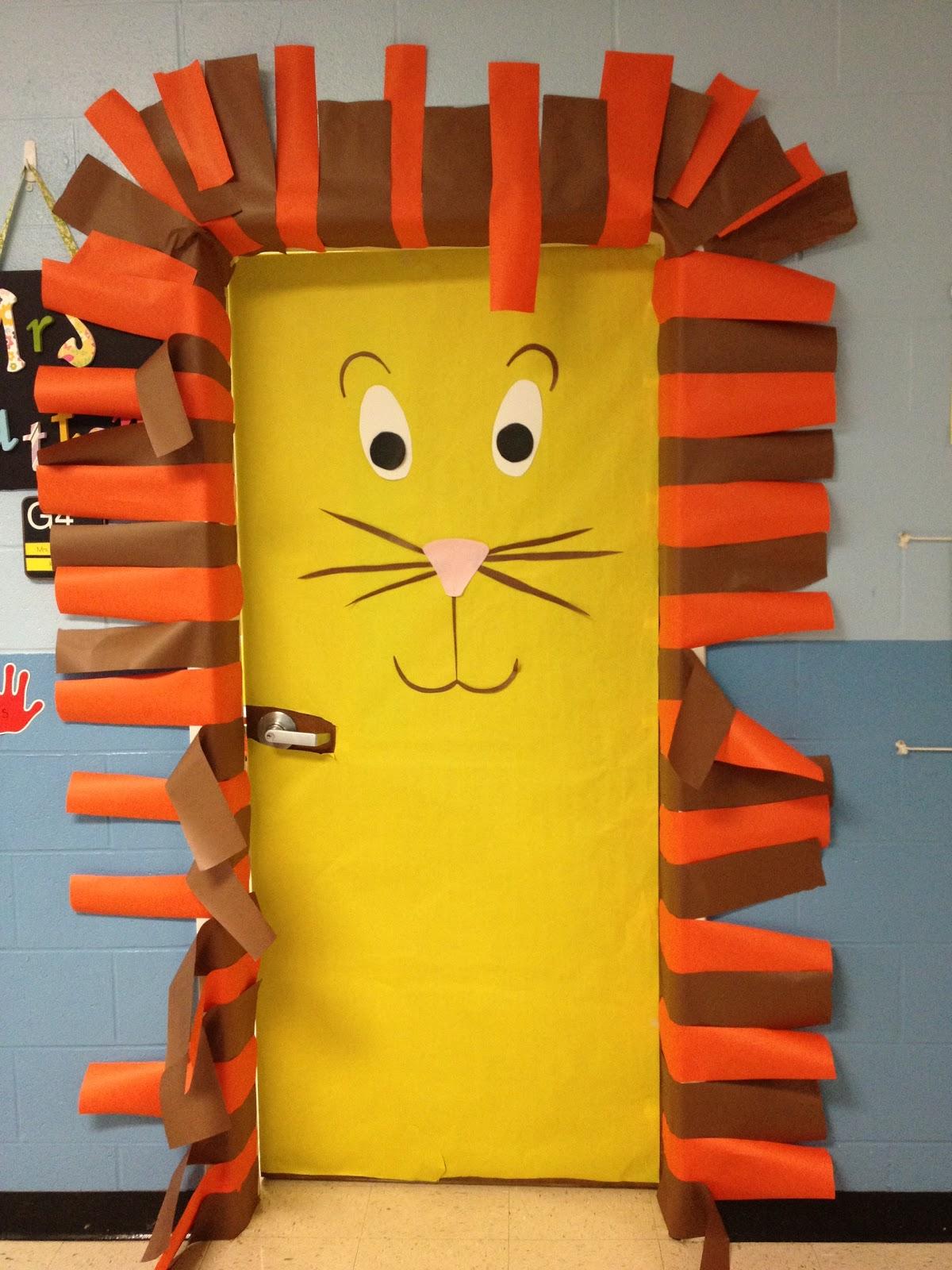 K is for Kinderrific!: Snowman FREEBIE & Jungle Doors!