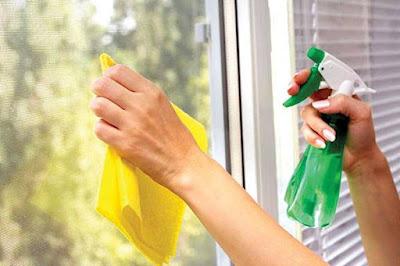 Cách vệ sinh cửa kính đơn giản an toàn