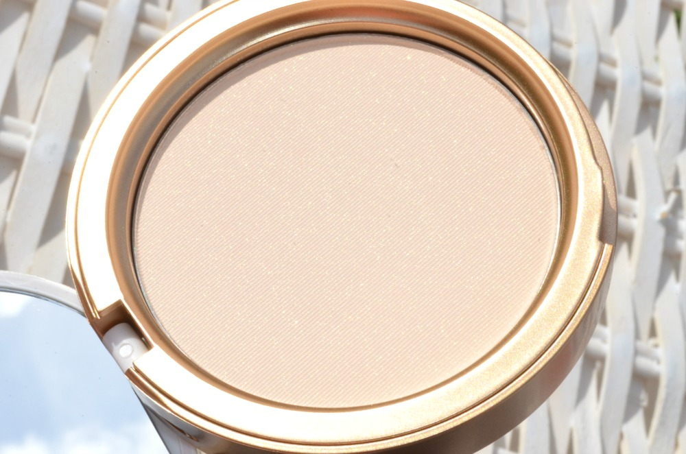 Too Faced Candlelight Softly Illuminating Translucent Powder