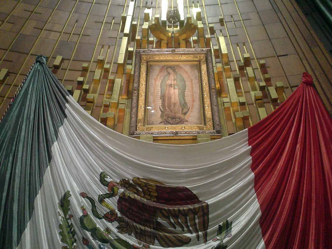 DOCUMENTALES - La Virgen de Guadalupe - Entre la ciencia y la fe