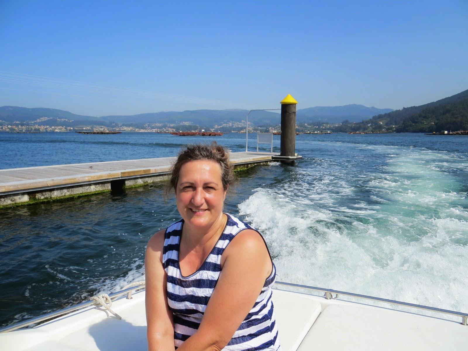 Navegando por la Ria de Vigo, Ensenada de San Simón