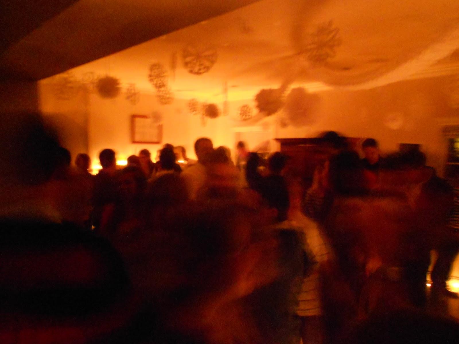 http://1.bp.blogspot.com/-jk_CX80xFOg/TwuhYZepa8I/AAAAAAACCYM/8kRyS3LczZk/s1600/Slowdance+06.JPG