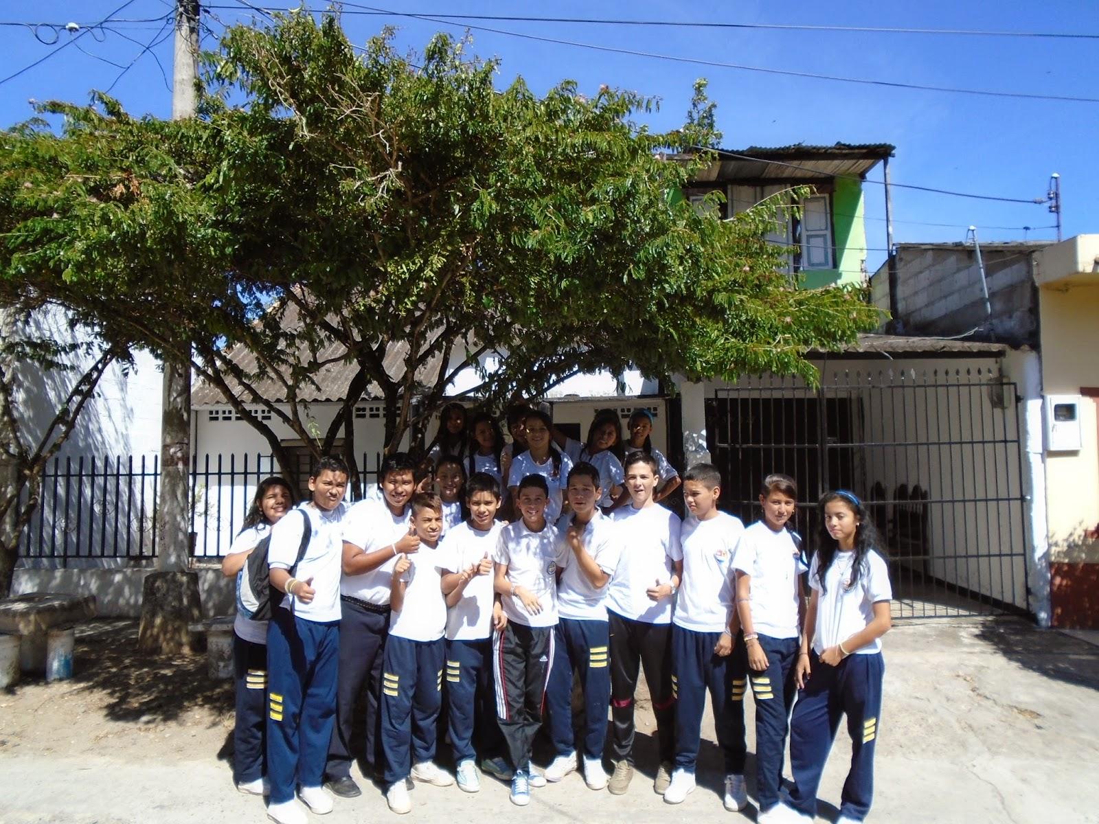 Puerto bogot hoy1 visitando la casa del escritor luis di z cifuentes aqu en puerto bogot for Concurso docentes exterior