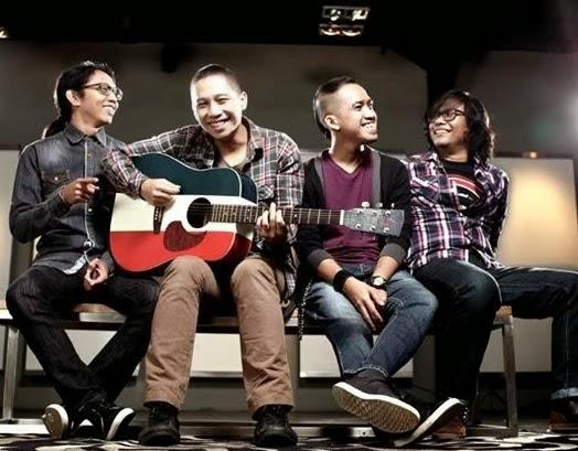 Lirik Lagu The Rain Feat. Endank Soekamti - Terlatih Patah Hati