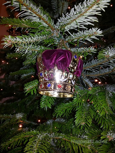 The Queen's Gallery Christmas Tree Crown 2013