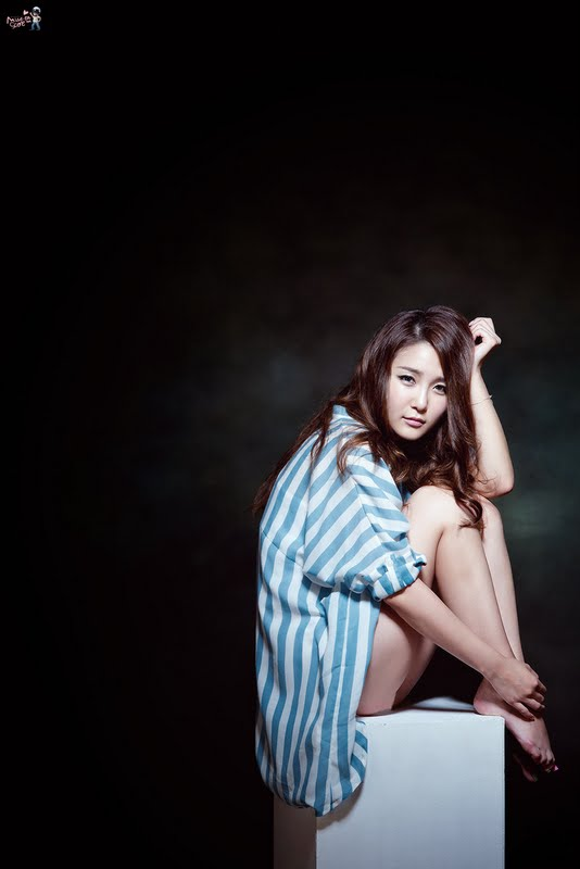 Bang Eun Young - Blue and White Style