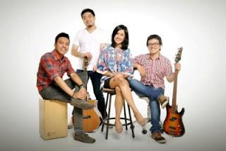 http://1.bp.blogspot.com/-jlF-Xng3Jyo/Udi1ionbhMI/AAAAAAAACVQ/6HSS_XQ3yBc/s320/The+SIRe+Band+-+Menuju+Surga-Mu.jpg