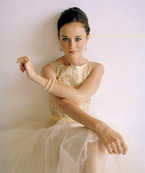 Alexis Bledel Hairstyle 77