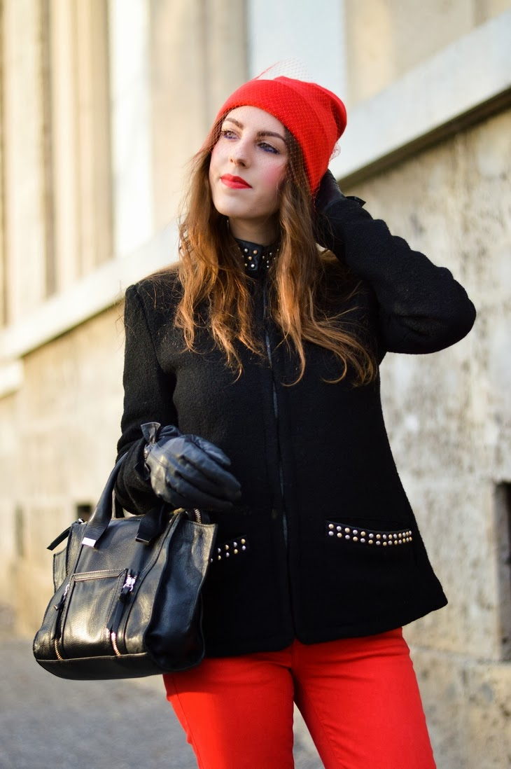 Jil Sander DIY Veiled Beanie Beanie con veletta trend cappello urban chic Zara Black Mini Leather City Bag How to wear Dr Martens Boots 1460 Red pants leather thesparklingcinnamon essence stay matte lip cream silky red