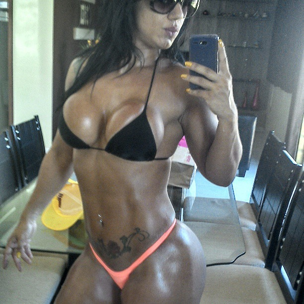 Belas da Musculação : Modelo e atleta de Brasilia Vanessa