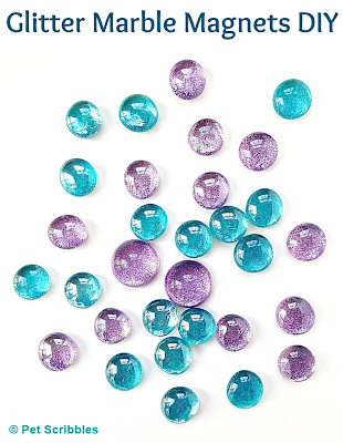 Glitter Marble Magnets DIY: an easy craft that is both pretty AND useful!