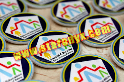 pin akrilik resin malang