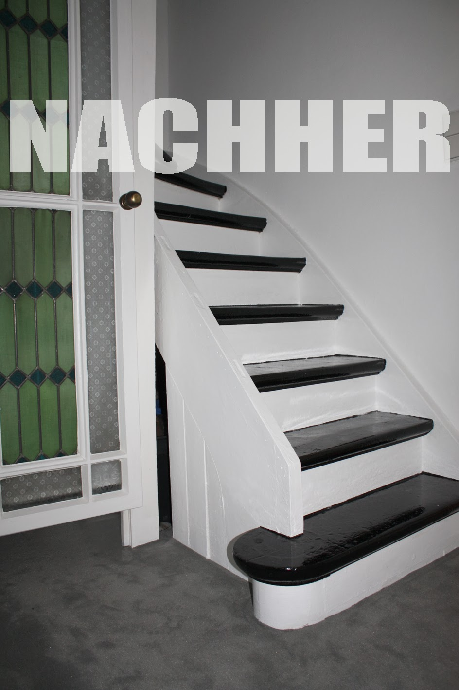 fraufertig 1 die treppe. Black Bedroom Furniture Sets. Home Design Ideas