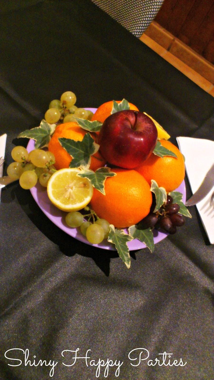 Centros de mesa de fruta para bautizo black hairstyle for Centros de frutas