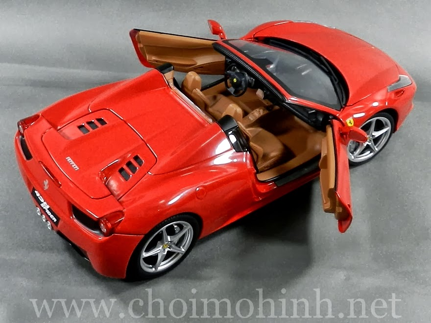 Ferrari 458 Spider 1:18 Hot Wheels door