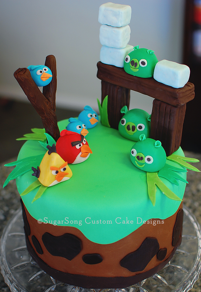 Images Of Angry Birds Cake : SugarSong Custom Cakes: Angry Birds Cake