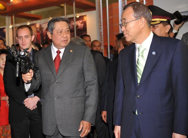 Presiden SBY & Sekjen PBB Ban Ki Moon dengan SS2 V5