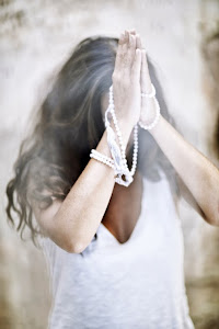 L'energia interiore del gesto di saluto