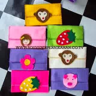 Bentuk souvenir dompet