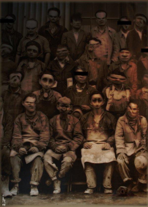 foto antigua de grupo de gente sentada