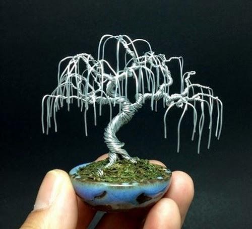 24-Ken-To-aka-KenToArt-Miniature-Wire-Bonsai-Tree-Sculptures-www-designstack-co