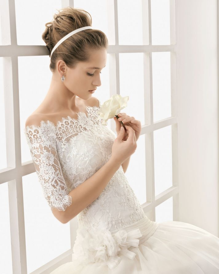 Laced Wedding Gowns: Lace Wedding Dresses: Elegant Lace Wedding Dresses