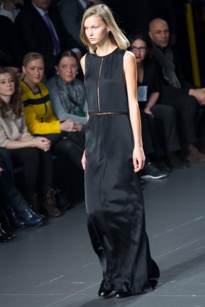 Vestido noche negro vainica ÁNGEL SCHLESSER Desfile Fashion week Madrid Tendencias Invierno 2015