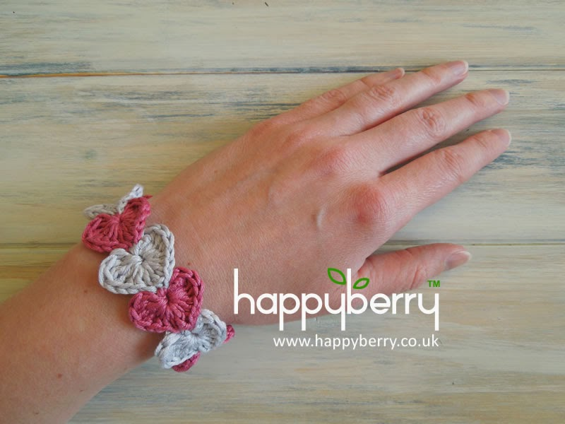 Quick Crochet Ideas : Happy Berry Crochet: Quick and simple crochet heart bracelet pattern