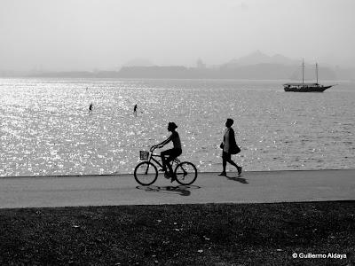 Praia do Flamengo Beach, by Guillermo Aldaya / PhotoConversa