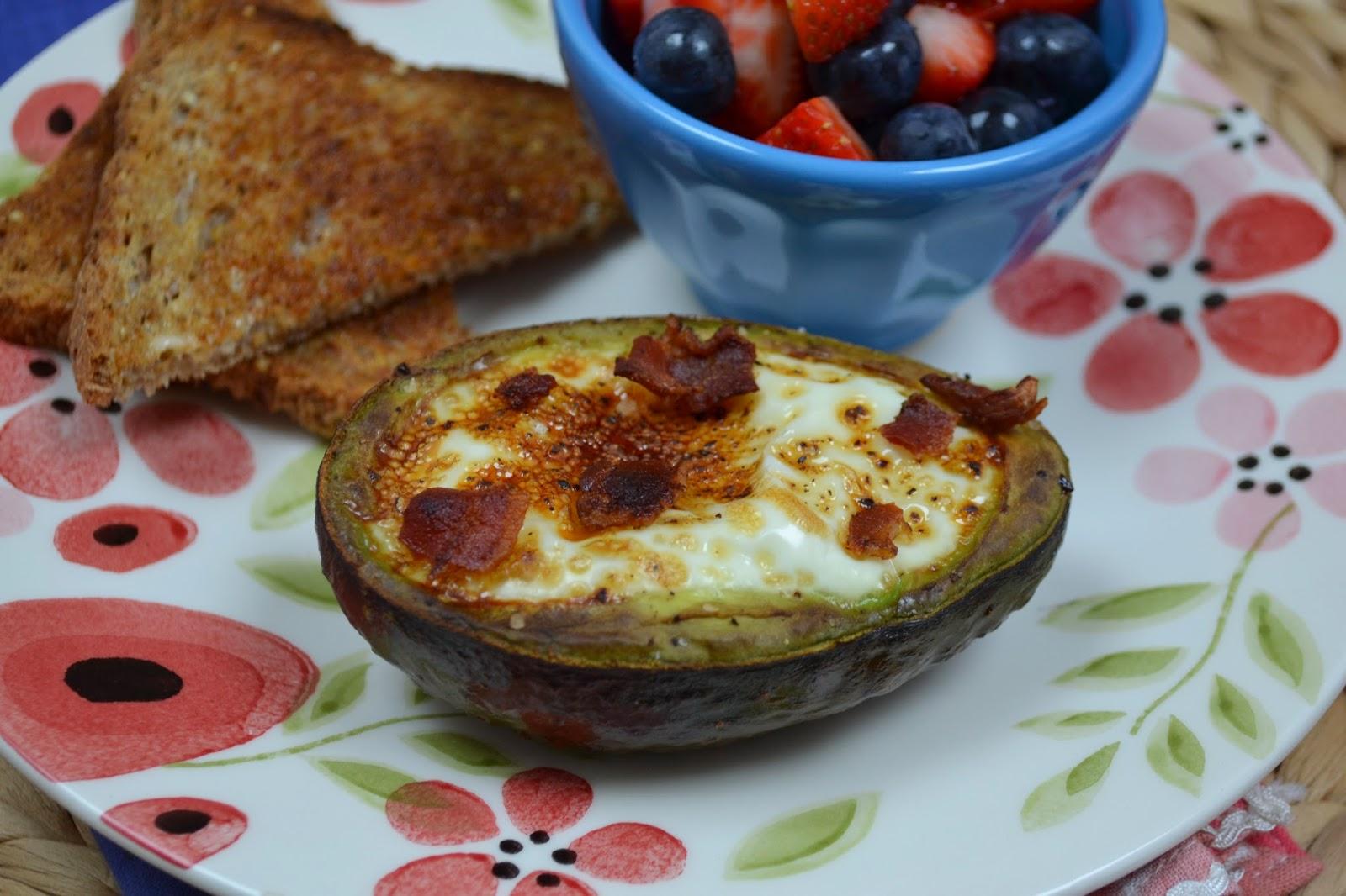 secret recipe club: baked eggs in avocado