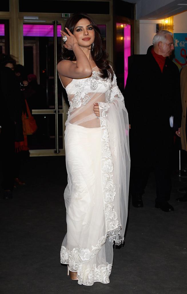 Priyanka Chopra Hot Saree Stills - HIGH RESOLUTION PICTURES
