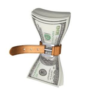 Secara finansial, anda harus pintar-pintar mengatur keuangan pribadi