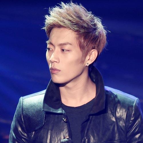 Doo Joon spike hairstyle medium hair brown hair color