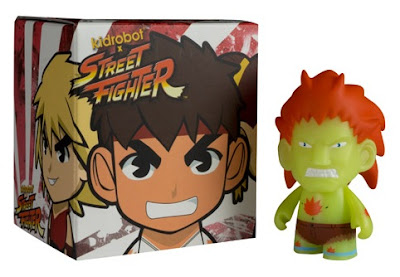 New York Comic-Con 2011 Exclusive Glow in the Dark Blanka Street Fighter Mini Figure by Kidrobot.jpg