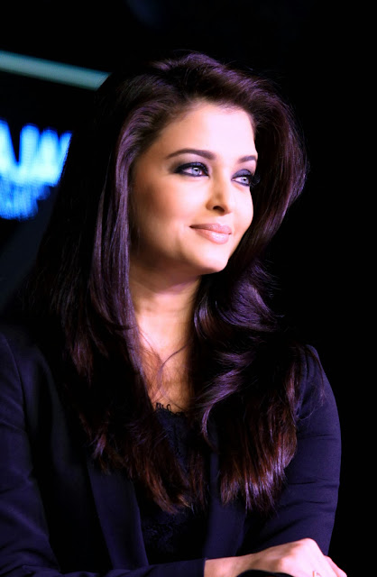 Aishwarya, Rai, Bachchan, Bollywood, Actress, Launch, Oreal, Kajal, Cosmetic, Mumbai, Brand, India, Amitab, Amitabh, Eye,