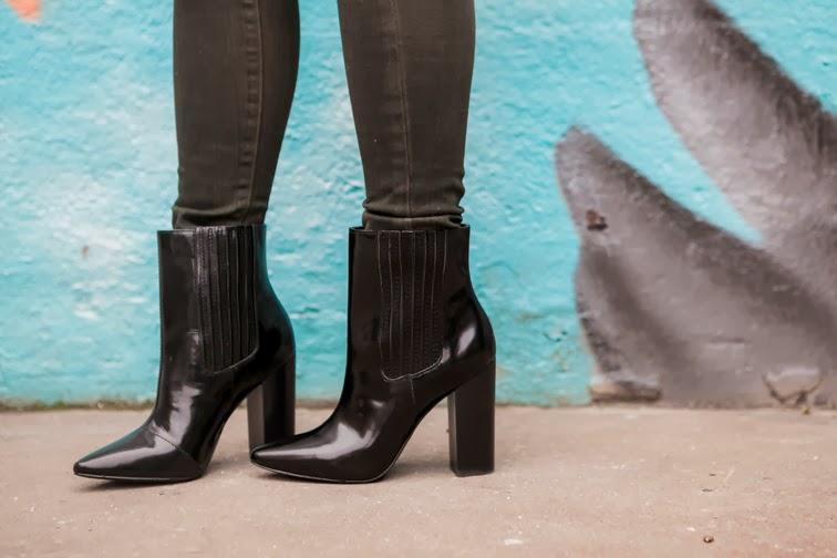 Pour la Victoire Lizette patent leather boots
